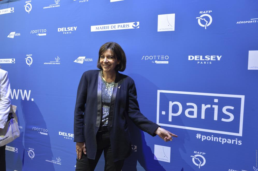 Anne Hidalgo avec l'extension .paris