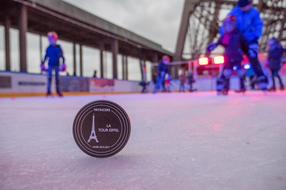 Palet de hockey de la tour Eiffel