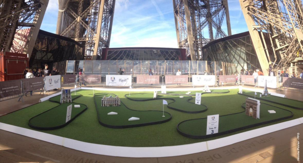mini golf 1er étage tour Eiffel