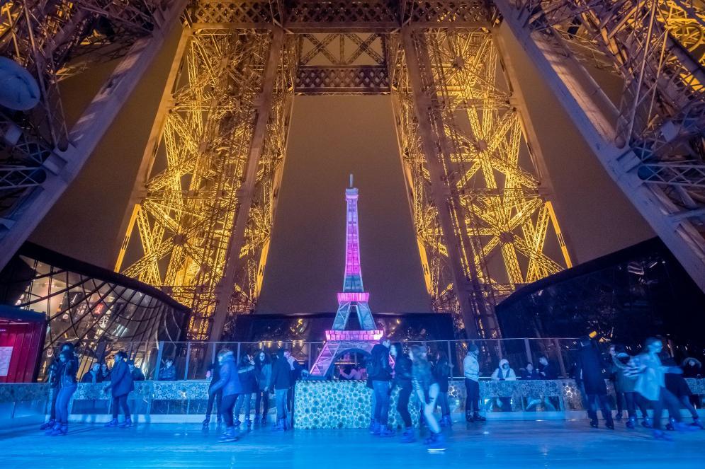 patinoire de la Tour Eiffel de nuit