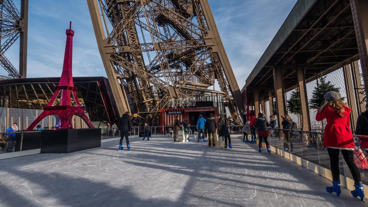 Patinoire tour Eiffel