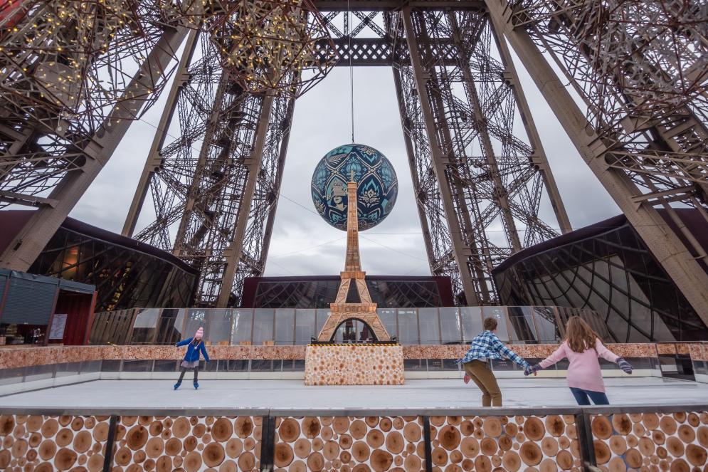 Pista de hielo en la Torre Eiffel