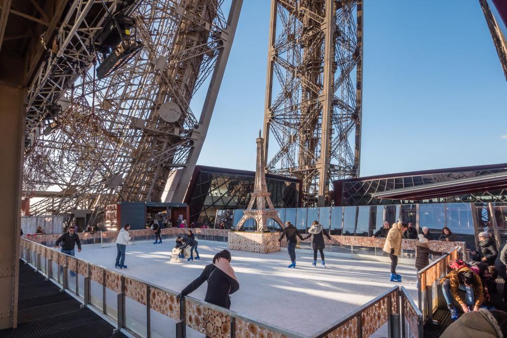 patinoire de la Tour Eiffel de jour