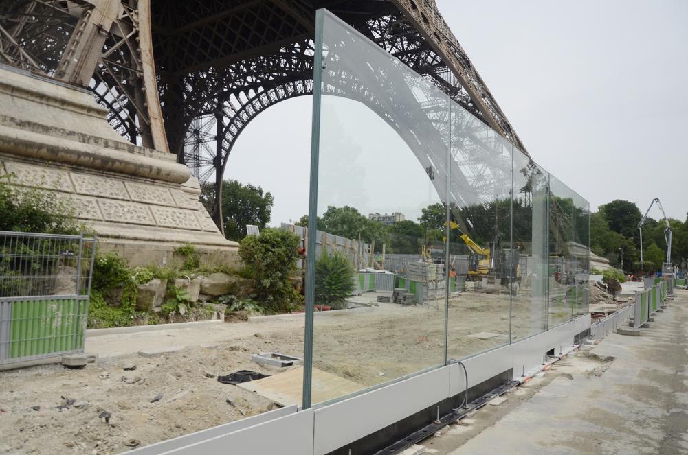sitio de construcción de pared de vidrio