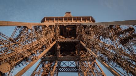 DJ set at the Eiffel tower: Cercle invites Nina Kraviz